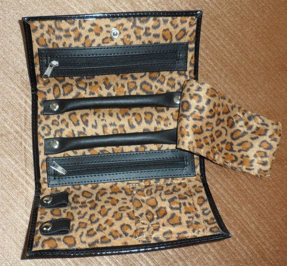TRAVEL JEWELLERY KEEPER/ Lined Vinyl Wallet to use by BYGONERA