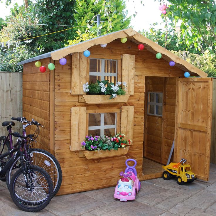 7x5 wooden playhouse with base