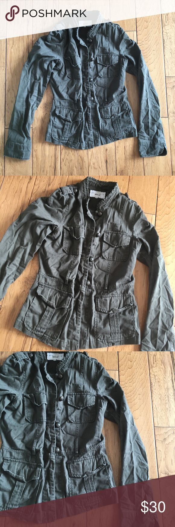 sanctuary surplus Olive Green Military jacket M sanctuary surplus Olive Green Military Style jacket Women's Size Medium sanctuary surplus Jackets & Coats