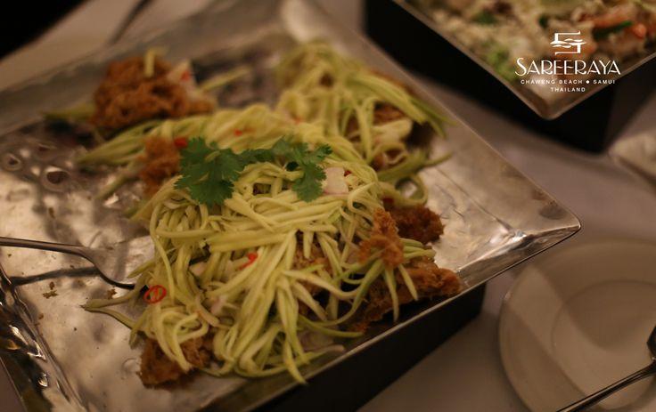 Green Mango Salad with Crispy Fish | All that Food @ Sareeraya | Pint ...