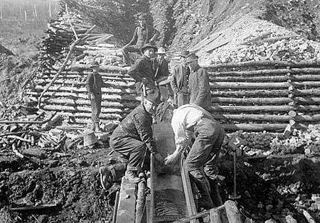 """La zona más popular en la fiebre del oro de Alaska era el río Yukon en el que pronto comenzarían a asentarse los conocidos como """"prospectors"""""""