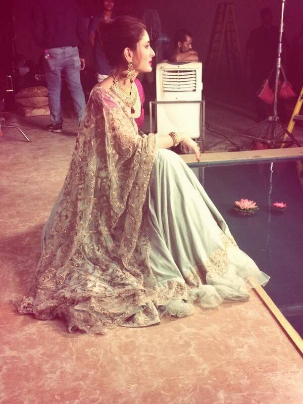 Sitting pretty by the lake: Kareena Kapoor Khan   PINKVILLA
