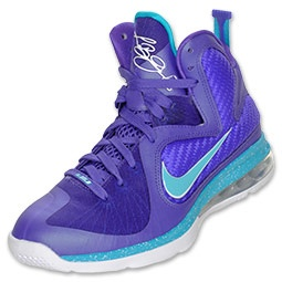 Made in tribute of LeBron\u0027s old AAU team, the Summit Lake Hornets. Nike  LeBron 9 features a Max Air 180 heel bag and Zoom Air unit in the forefoot\u2026
