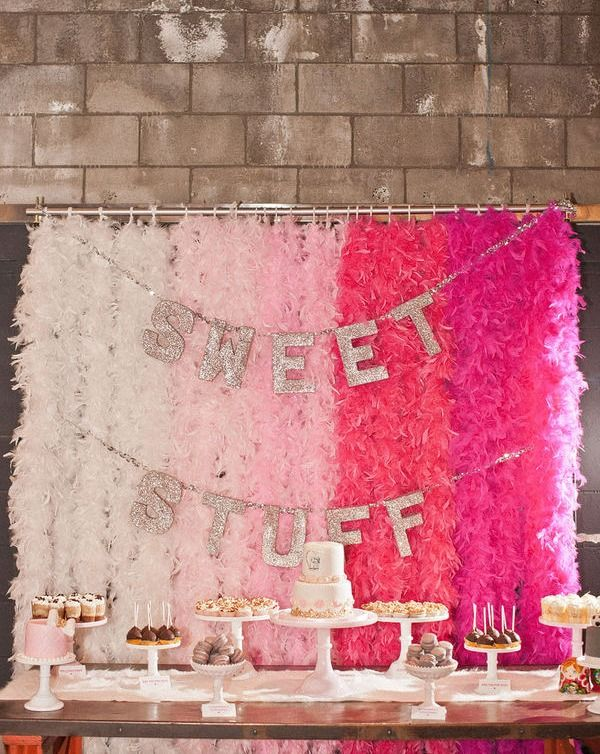 feather boas as party backdrop.: Pink Desserts, Birthday Parties, Sweet Tables, Backdrops, Photo Booths, Bridal Shower, Parties Ideas, Desserts Tables, Feathers Good