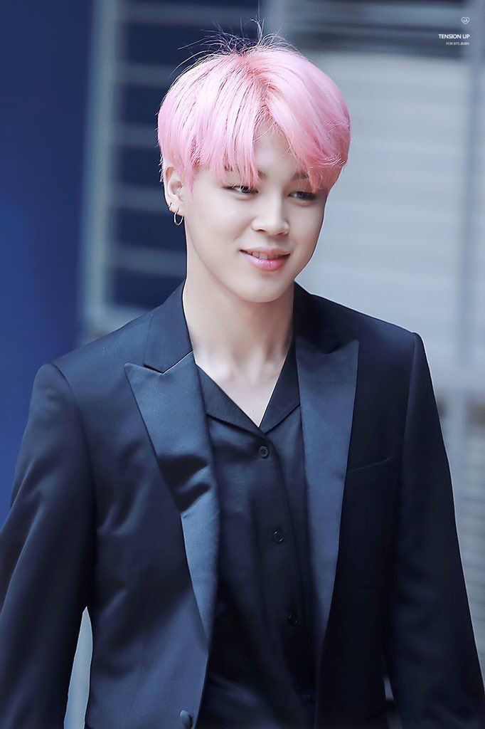 HIS PINK HAIR IS SO BEAUTIFUL