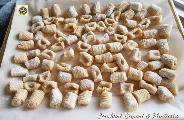 Gnocchi di pane raffermo ricetta base Blog Profumi Sapori & Fantasia