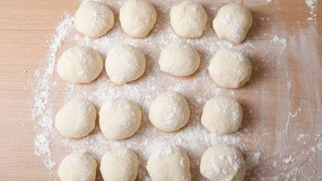 طريقة عمل عجينة فطاير سريعة Recipe Pizza Recipes Homemade Recipes No Salt Recipes