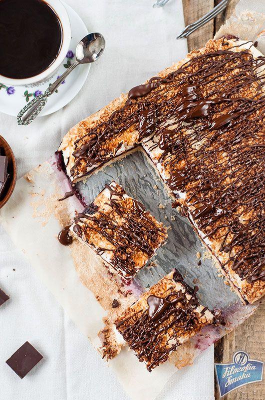 Mazurek z bezą i czekoladą