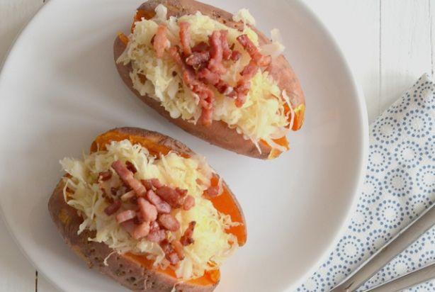 Gepofte zoete aardappel met zuurkool