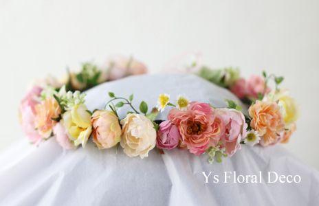 サーモンピンクのドレスにあわせるミックスカラーの花冠 Ys Floral Deco @アニヴェルセル表参道
