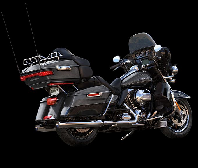 2014 Harley-Davidson Ultra Limited:::// So I'm going to start drooling now. It's beautiful.