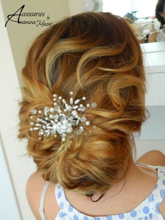 Bridal Comb with pearl and transparent beads by AccessoriesByAM