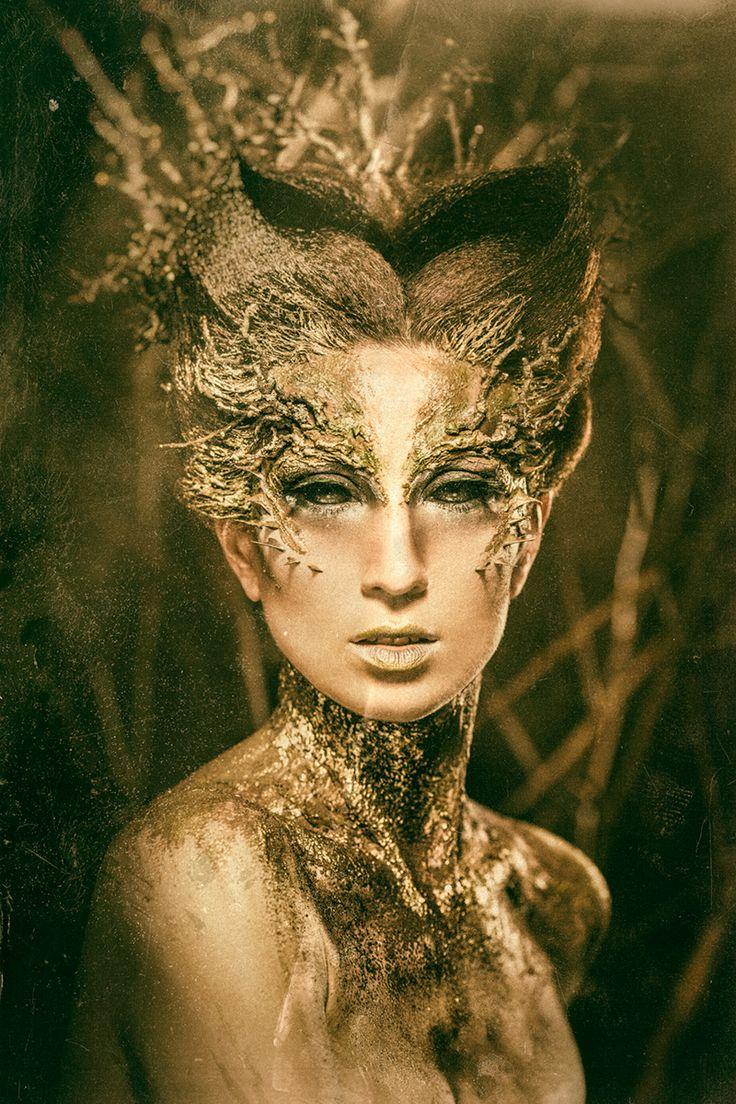 Photographer: Marian WodziszAccessories/Makeup: Dorota Ozarowska - Dorota MUAModel: Magda Skrok