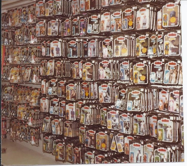 I remember when Lionel Playworld stocked Star Wars action figures this way