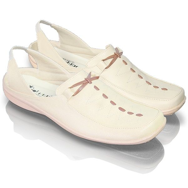 Sepatu casual Ladies Golfer GE 608 | Raissacoll