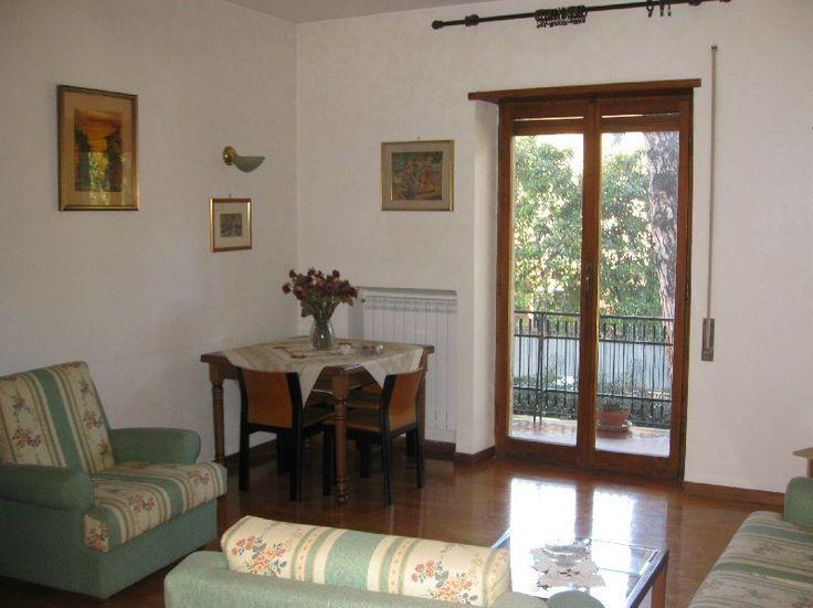 Appartamento affitto Grottaferrata (Roma) Via dei castani, € 700, 3 camere, 80 mq, Primo piano