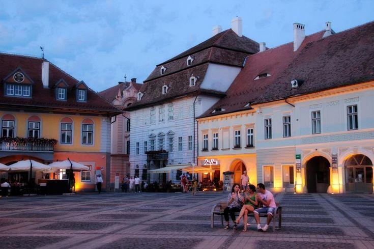 Piata Mare, Sibiu, Rumanía #dazehub