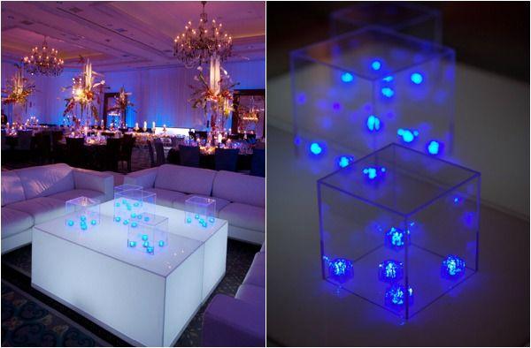 5 ideas para las piezas centrales LED - Declaración de la pieza central de David Tutera - mazelmoments.com