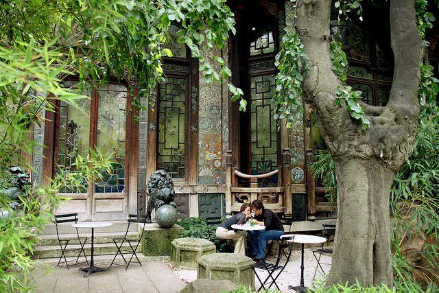 Paris, cinéma La Pagode by Calinore, via Flickr