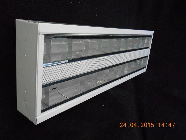 Gabinete de sobreponer con marco y louver de aluminio Fabricado en lámina negra