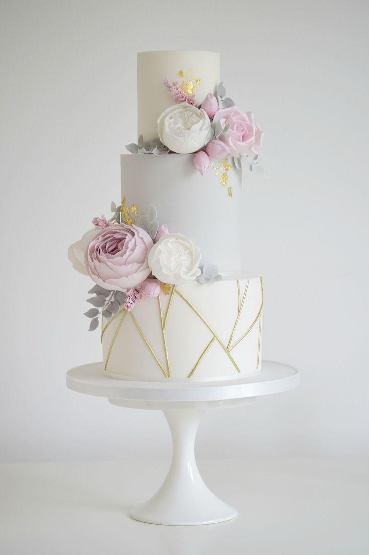 Geometric £495.00 #goldweddingcakes