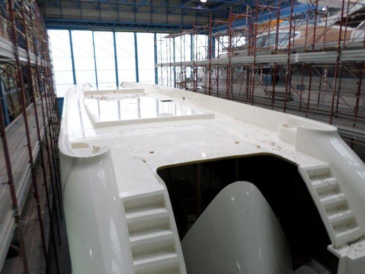 scafo della 94' arrivato in cantiere a Viareggio oggi 3/2/2015 94' hull arrived at Viareggio Italy