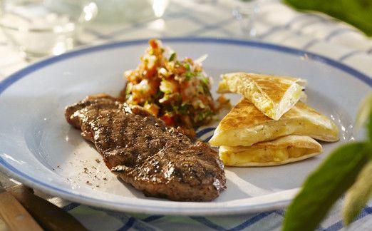 Ryggbiff, salsa fresca, tortilla med getost.