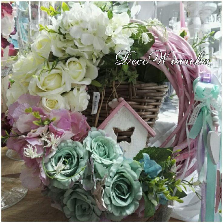 Wianek,wianki,wianek wiosenny,wianek całoroczny,stroik,kompozycja kwiatowa