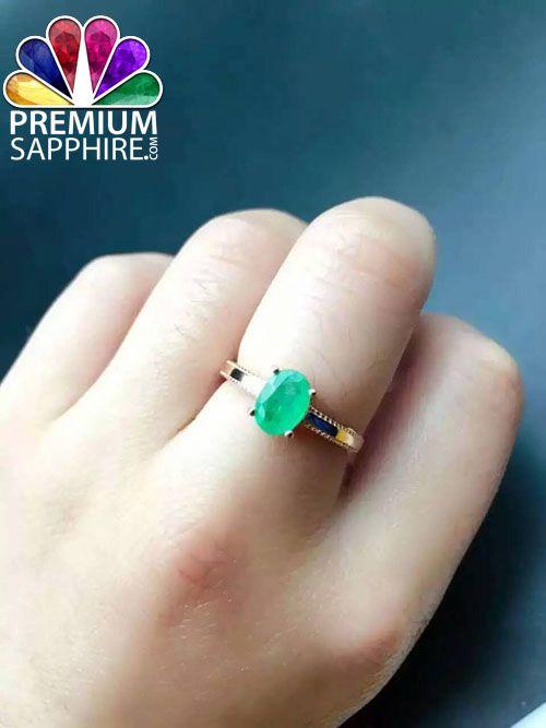 Beautiful astrological ring made of natural emerald panna