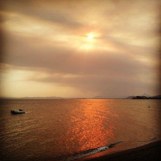 Δες πως μαύρισε η Ευβοια μέσα σε ένα απόγευμα! Φωτογραφίες...   http://eviagreen.gr/news.aspx?nid=3734