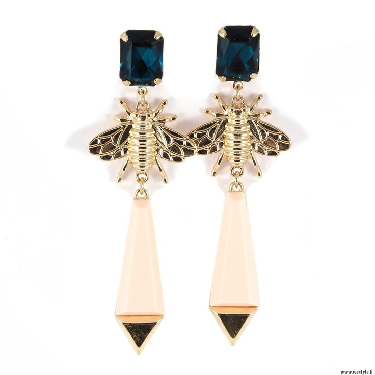 New gorgeous and trendy earrings in store!