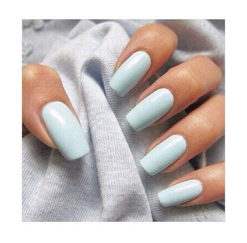 We love these minimalist baby blue square long nails - perfect colour for spring...x
