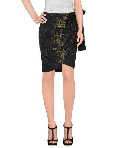 GIAMBATTISTA VALLI Knee Length Skirt. #giambattistavalli #cloth #skirt