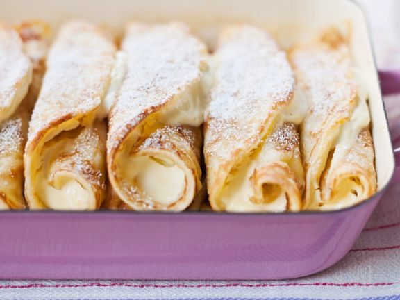 Pfannkuchen mit Quarkfüllung ist ein Rezept mit frischen Zutaten aus der Kategorie Pfannkuchen. Probieren Sie dieses und weitere Rezepte von EAT SMARTER!