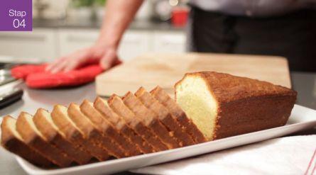 Heel erg lekker!! Kokos-limoencake met limoenglazuur - Recept - Allerhande - Albert Heijn