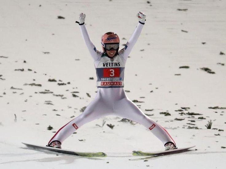 #SZ   Eisenbichler verpasst Podest   #Kraft bejubelt Auftaktsieg        #Fuer #die #deutschen Skispringer #haben #sich #die Hoffnungen #auf #einen gelungenen #Start #in #die 65. Vierschanzentournee #nicht erfuellt. #Nur #Markus Eisenbichler #als Sechster ueberzeugt, #ist #aber #dennoch enttaeuscht. #Der OEsterreicher #Kraft #faehrt #als Fuehrender #nach Garmisch.           http://saar.city/?p=36875