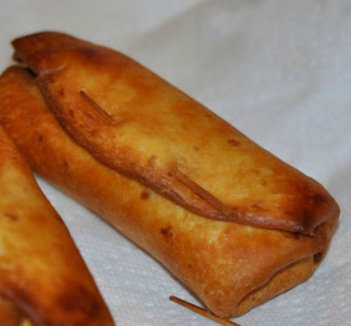 These are INCREDIBLE! Best Chicken Chimichangas EVER! My favorite go to meal to impress guests. ~ http://reallifedinner.com