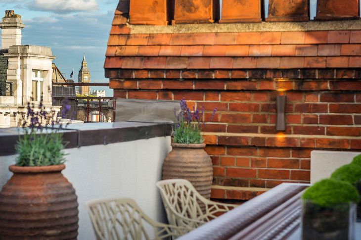 View Of Big Ben Roof Terrace Penthouse Apartment In St James London - pictures, photos, images