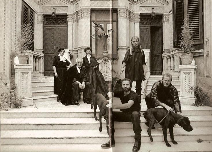 Versace Family Portrait, Photographer Alfa Castaldi, 1976, Copyright Archivi Gianni Versace from Versace, Richard Martin, Le Memorie della Moda, Octavo, 1997