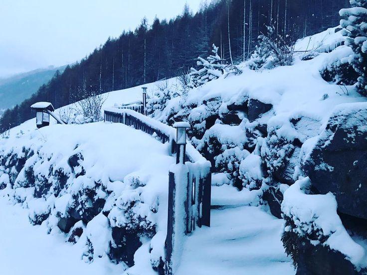 Snow  is that what we like . . . . #gruenwaldresort #soelden #sölden #oetztal #ötztal #skiing #skifahren #skiinskiout #direktanderskipiste #chalet #vacation #outdoors #outdoorsport #holiday #urlaub #alpen #alps #snowboarding #snow #travel #loveit #loveskiing #nature #travelling #hotel #winter #wintertime #beautiful #travelgram #instatravel