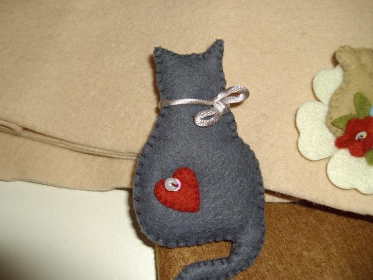 BROCHE- Gato gris