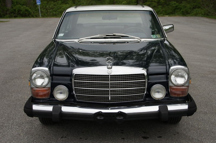 reminds me of taking drives around Jakarta with daddy ...1975 Mercedes Benz 280C
