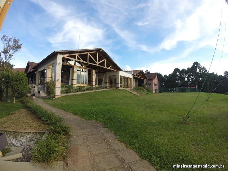Prédio onde ficam as salas de estar, de leitura, e o restaurante do Monreale Hotel Resort, em Poços de Caldas.