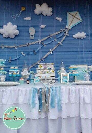17 best images about montaje baby shower nubes y cometas for Fiesta baby shower decoracion