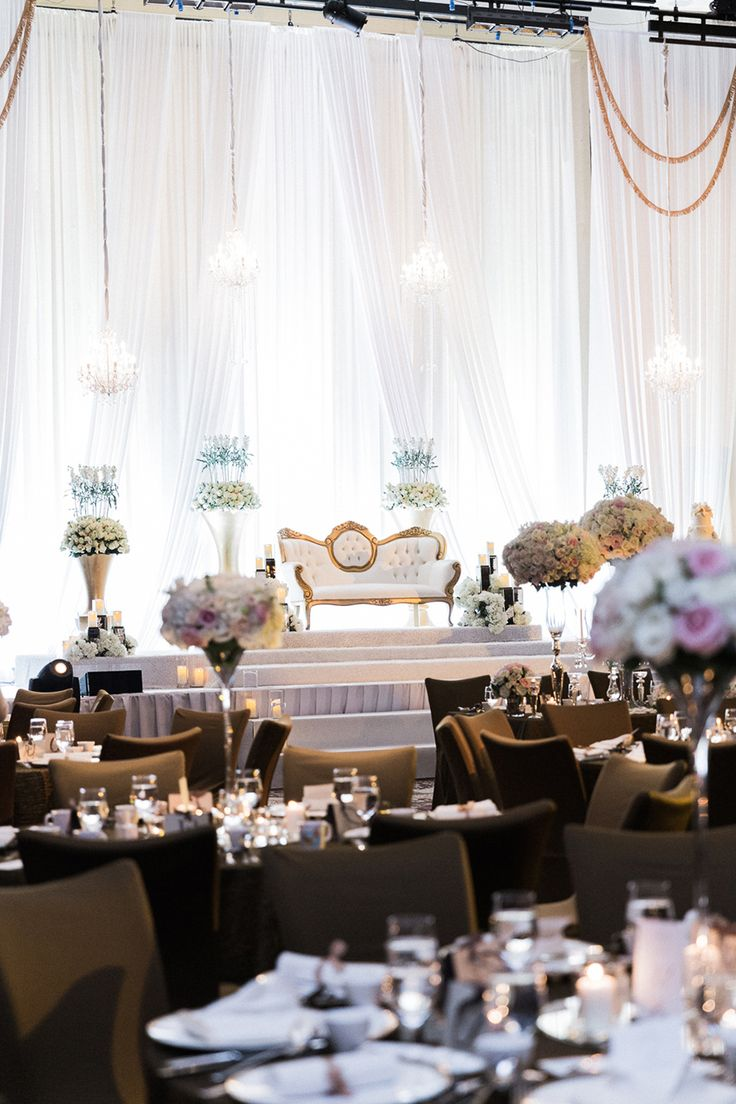 Following a marriage proposal of operatic proportions and with the help of The Wedding Entourage, Danial and Diana wed in a beautiful nikah (solemnisation ceremony) on a dreamy dais, and dined at The St. Regis Singapore in a reception inspired by Palais Garnier, the opulent opera house in Paris.
