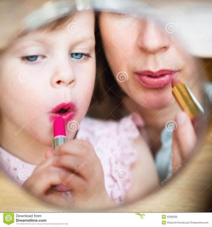 maternity-mother-daughter-putting-makeup-home-motherhood-little-girl-imitating-her-who-applying-lipstic-k-front-53399336.jpg (1300×1390)