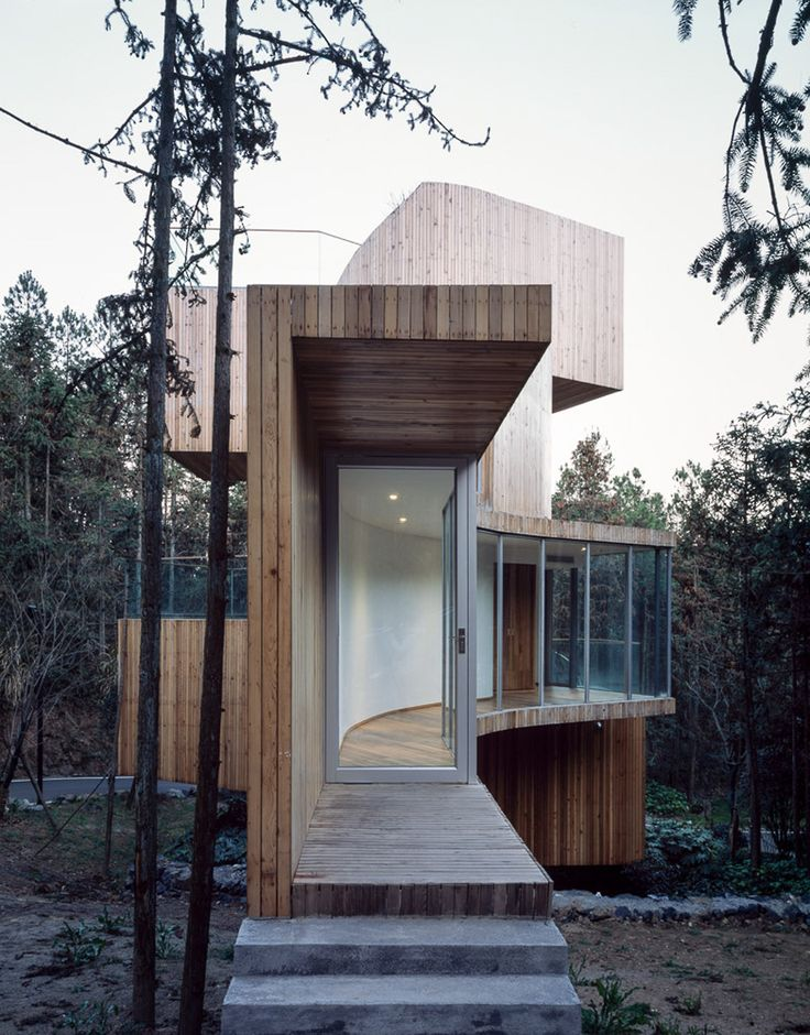 """archatlas: """"Qiyunshan Tree House in HuangshanThis house project designed by Bengo Studio is located in Huangshan City, Anhui Province, within the Qi Yunshan Scenic Area. The resident arrives at each..."""