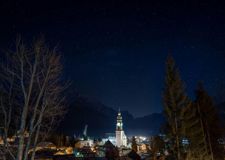 Toblach, South Tyrol at night Toblach, Südtirol bei Nacht