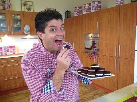 Nejchutnější Whoopie pie recept (Whoopie čokoládové koláčky) s Marshmallow krém, Vařte s Majklem - YouTube