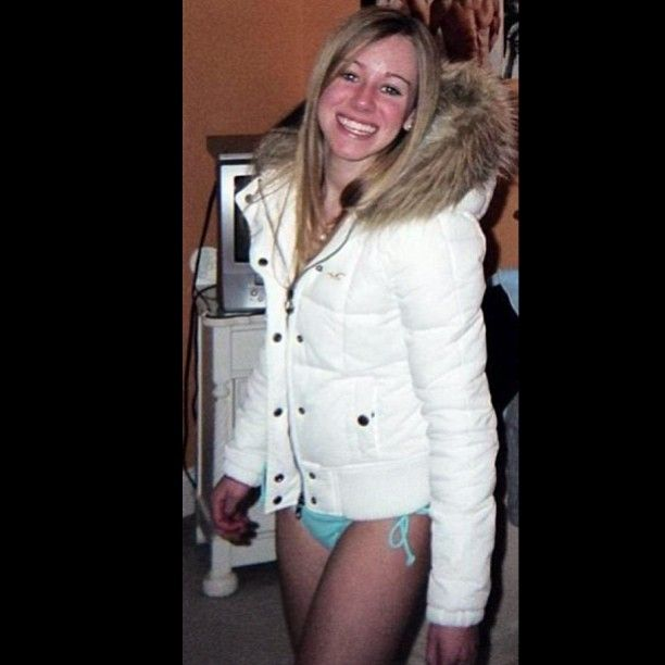 Another beautiful girl showing off her sexy Hollister coat. #puffyjacket #puffycoat #girl #blonde #hot #hollisterjacket #hollister #bikini #follow #followme